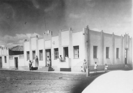 Foto antiga da praça da prefeitura