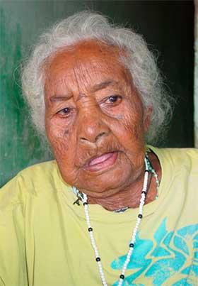 Foto de Alvina Rosalina negra de 115-anos