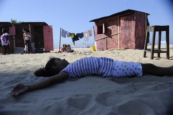 Foto manifestação favela na praia